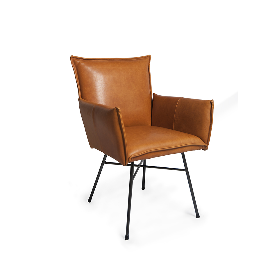 Sanne Diningchair With Arm Luxor Cognac Oblique