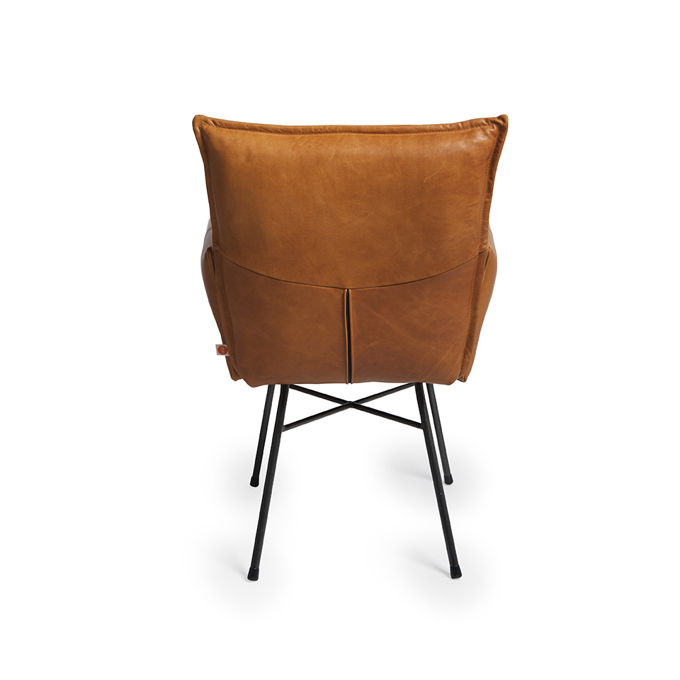 Sanne Diningchair With Arm Luxor Cognac Back
